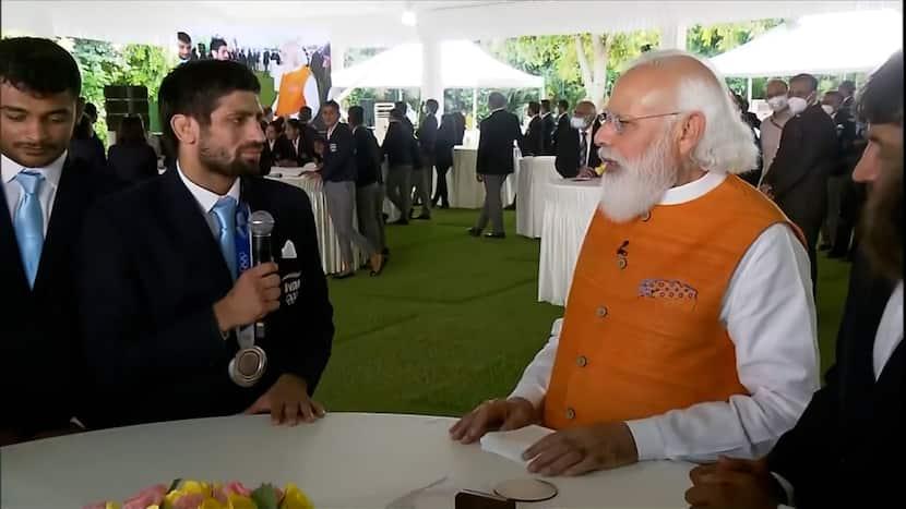 When PM Modi expressed his 'complaint' to Olympian Ravi Dahiya