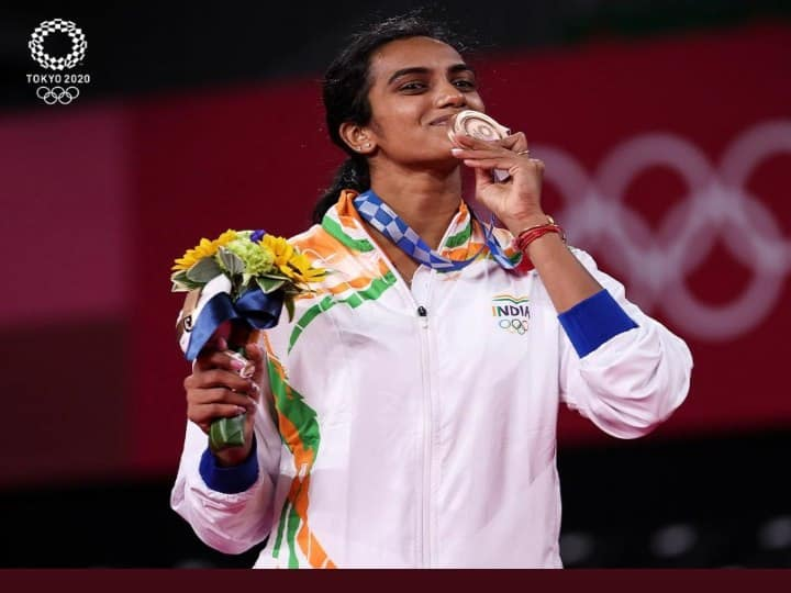 How PV Sindhu Becomes Unifying Factor For Two Telugu States At Loggerheads