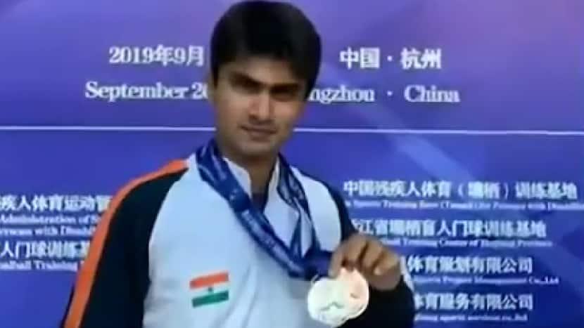 Tokyo Paralympics   Noida DM Suhas LY confirms medal; reaches Badminton finals